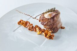 Veal fillet with chanterelle ragout