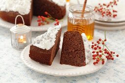 Gingerbread cake with meringue and honey for Christmas