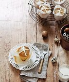 A hot cross cupcake (Easter raisin cake)