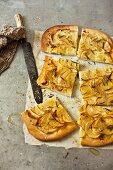 Pizza di patate al rosmarino (potato pizza with rosemary)
