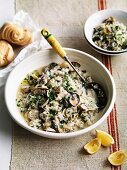 Vongole e riso (clams with rice in a white wine sauce)