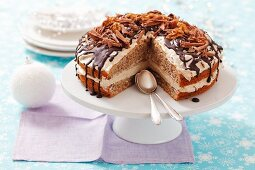 Walnut cake with coffee cream (Christmas)