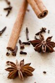 Star anise, cloves and cinnamon sticks