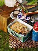 Lumberjack Cake (Apfel-Dattel-Kuchen, USA) in einer Lunchbox