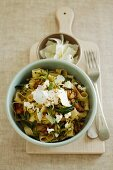 Fettucine with courgettes, walnuts and ricotta