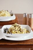 Linguine with chicken and capers