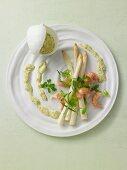 Asparagus with crayfish and Bearnaise sauce