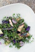 Kräutersalat mit Fisch und dreierlei Kartoffeln