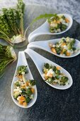 Russischer Salat mit Löwenzahn