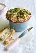 Salmon rillettes with prawns