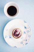 Almond cakes with raspberry glaze (Sweden)