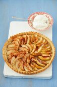 Apple tart with cream