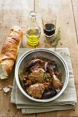Pot-roast chicken with red cabbage, bacon and red wine