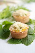 Asparagus muffin with lemon balm