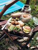 An autumn picnic with coarse p