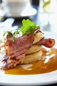 Flapjacks with bacon and maple syrup