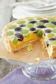 Grape tart with lemon cream and jelly