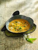 Coconut and ramson soup with ginger
