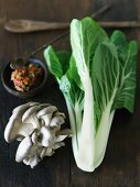 Stir Fry Ingredients : Bok Choy with Chili Paste and Mushrooms