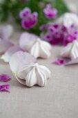 Flower-shaped meringues