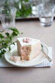 Sponge cake with rose oil