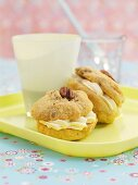 Whoopie pies with pecan nuts and maple syrup