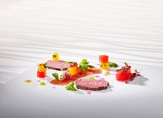 Beef fillet cooked 'sous vide' with melon