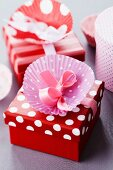 Paper cake case decorating gift box