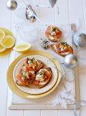Bruschetta with salmon and cream cheese