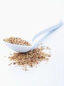 Unpeeled sesame seeds