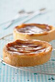 Small cheesecakes with apricot glaze
