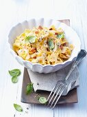 Farfalle with ham and a cream sauce