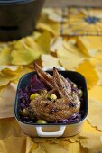 Chicken wings with red cabbage and gingko nuts