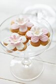 Sable biscuits with sugar flowers