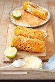 Spicy corn cobs with mayonnaise, parmesan and chilli