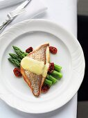 Red snapper with beurre blanc and green asparagus