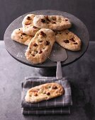 Focaccia with green peppercorns and figs