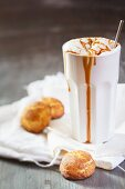 Caramel latte with a snickerdoodle (cinnamon cookie, USA)