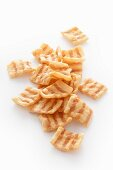 Wheat crisps with bacon