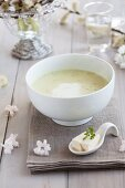 Chervil soup with tofu