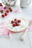 Cream vanilla pudding with strawberries