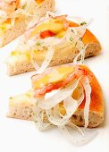 Pizza with prawns, fennel and pistachio cream
