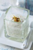 A homemade cleansing facemask with dried elderflowers and yoghurt