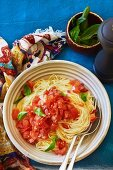 Spaghettini with cold tomato sauce