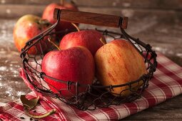 Apples, variety: Pinova