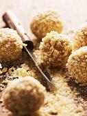 Vanilla truffles with white chocolate (close-up)