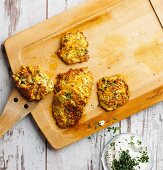 Courgette fritters with herb quark (low carb)