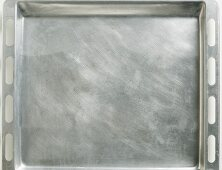 A stainless steel baking tray (seen from above)