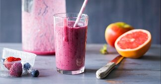 Pink Meliberry: a smoothie made with melon, berries and grapefruit