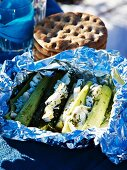 Stuffed leek and unleavened bread for a winter picnic